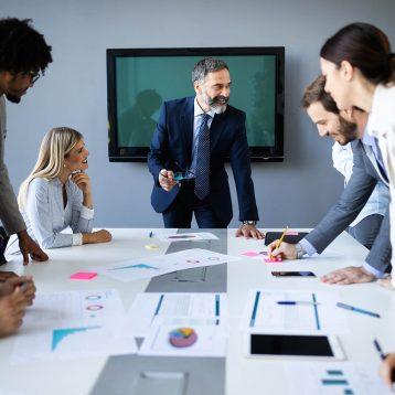 meeting-business-corporate-success-brainstorming-t-RZTS85Q.jpg